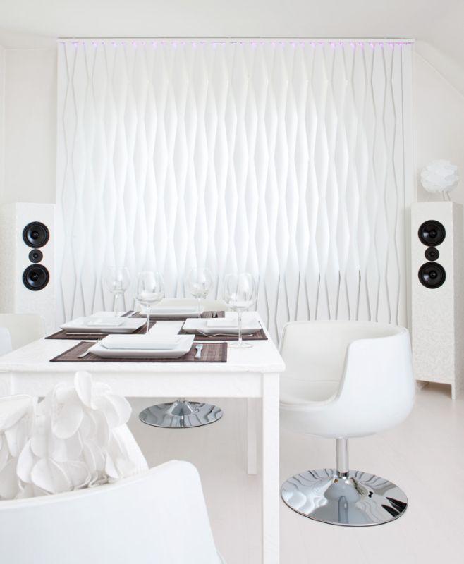 Hochwertiger Sonnenschutz, Sichtschutz und Lichtschutz - Lamellenvorhang - Senkrechtlamellen - Formgebende weiße Lamellen für besonderes Wohnambiente - Dr. Haller + Co. - Selastore®