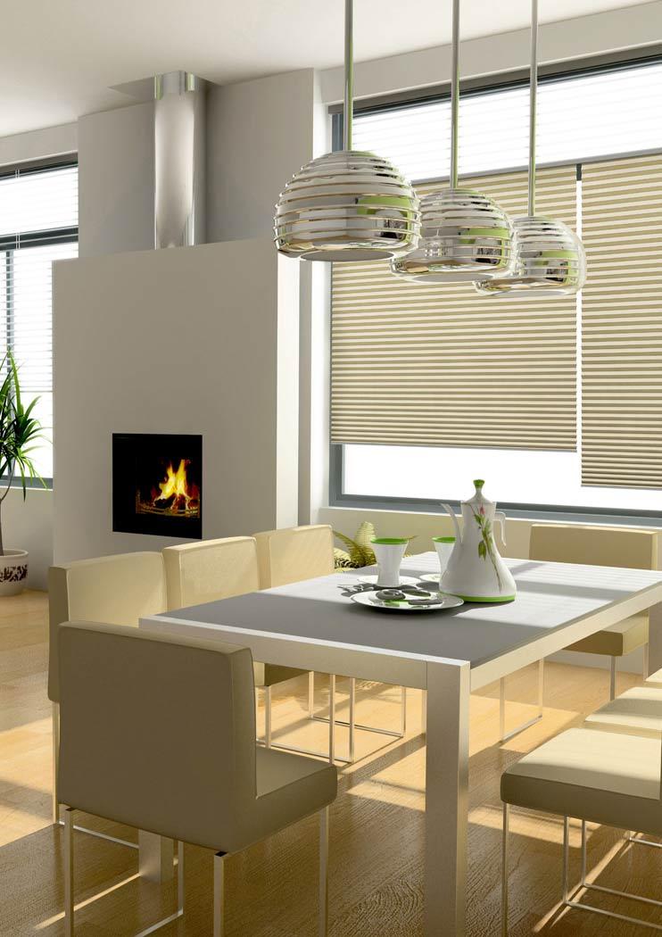 Hochwertiger Sonnenschutz, Sichtschutz und Lichtschutz - Beigefarbenes Plissee - Plisseerollo - Dr. Haller + Co. - Selastore®